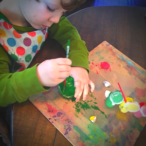 Painting sea shells, an open ended preschool craft